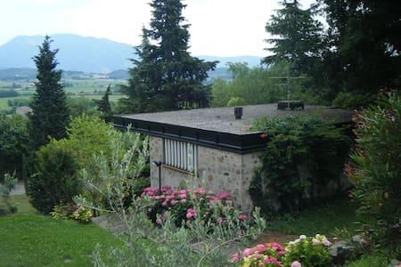 Affascinante casa in parco - Costermano - 一軒家