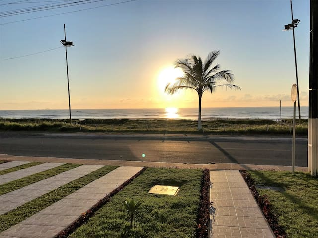 Beira Mar Matinhos/PR - Excelente Apto 3Qtos 7pess
