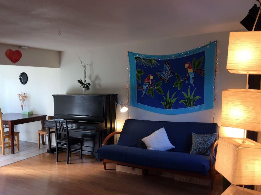 Living room (futon)