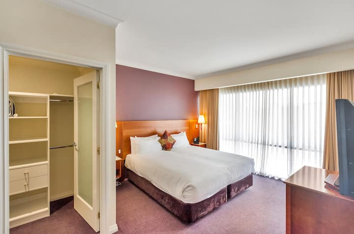 Luxury Apartment  at Century Inn Traralgon