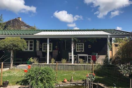 Smukt og idyllisk  24 m2 anneks i vidunderlig have
