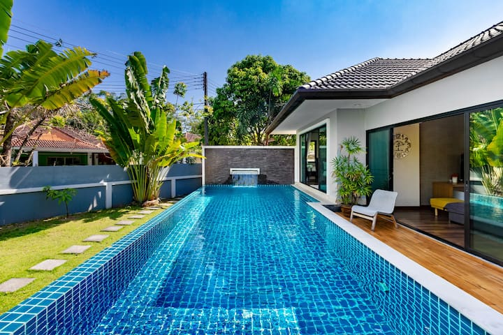 +++Lush Family Pool villa 4 bed Closeby Patong+++