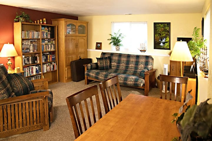 Peaceful and spacious centrally located hideaway