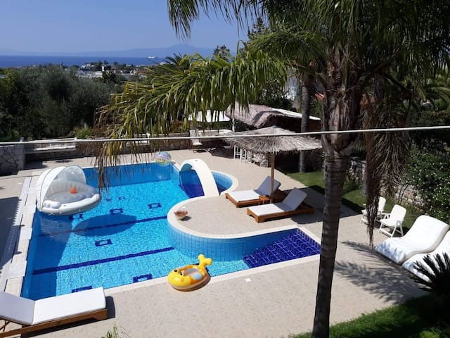 Luxury Country House in Kalamata / SP,