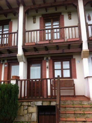 Casa estilo montañes - Pechón - Hus