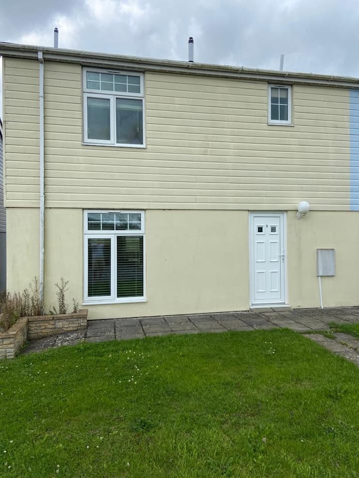Lovely 4 Bed Modern House, near Newquay