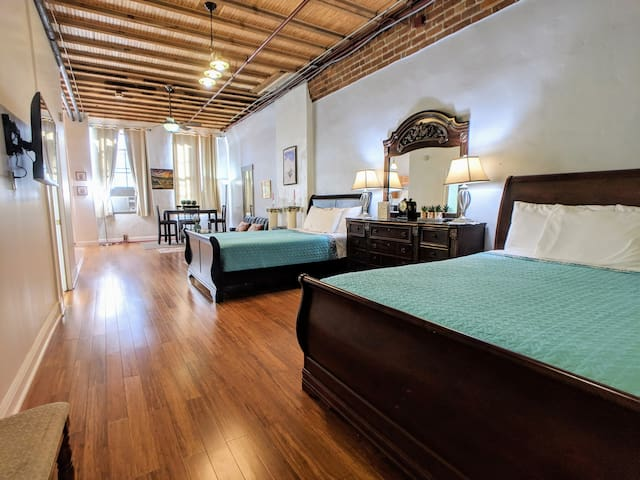 Downtown New Orleans Loft 2 Mins to French Quarter