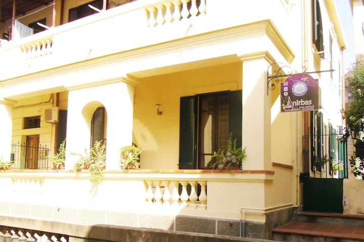 Rent rooms Anirbas b & b