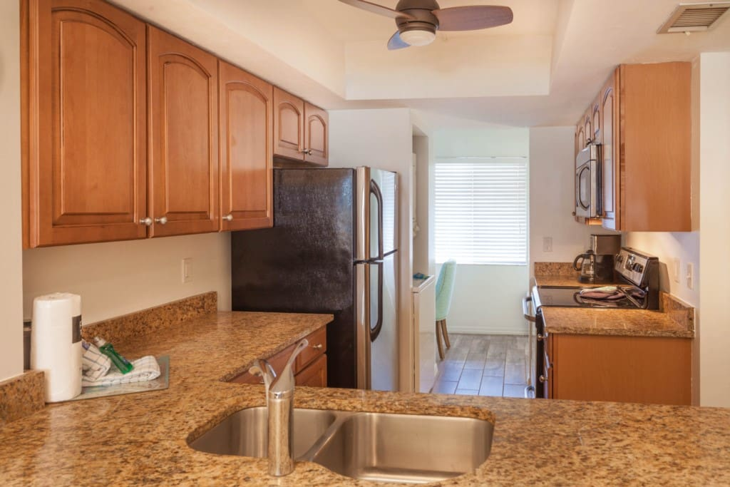 Kitcehn Area - Granite Countertops