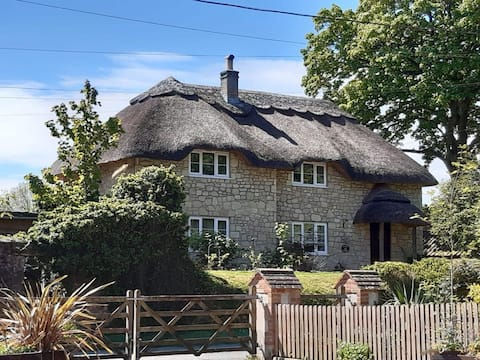 *New* Kings Cottage - Heart of the Deverills