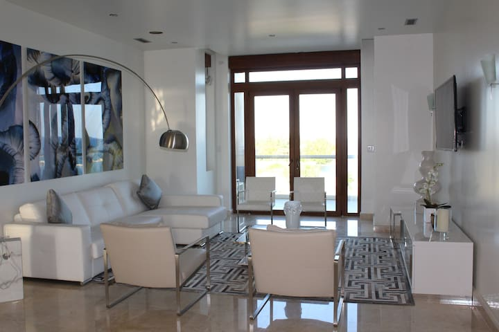The Presidential Suite of Placencia