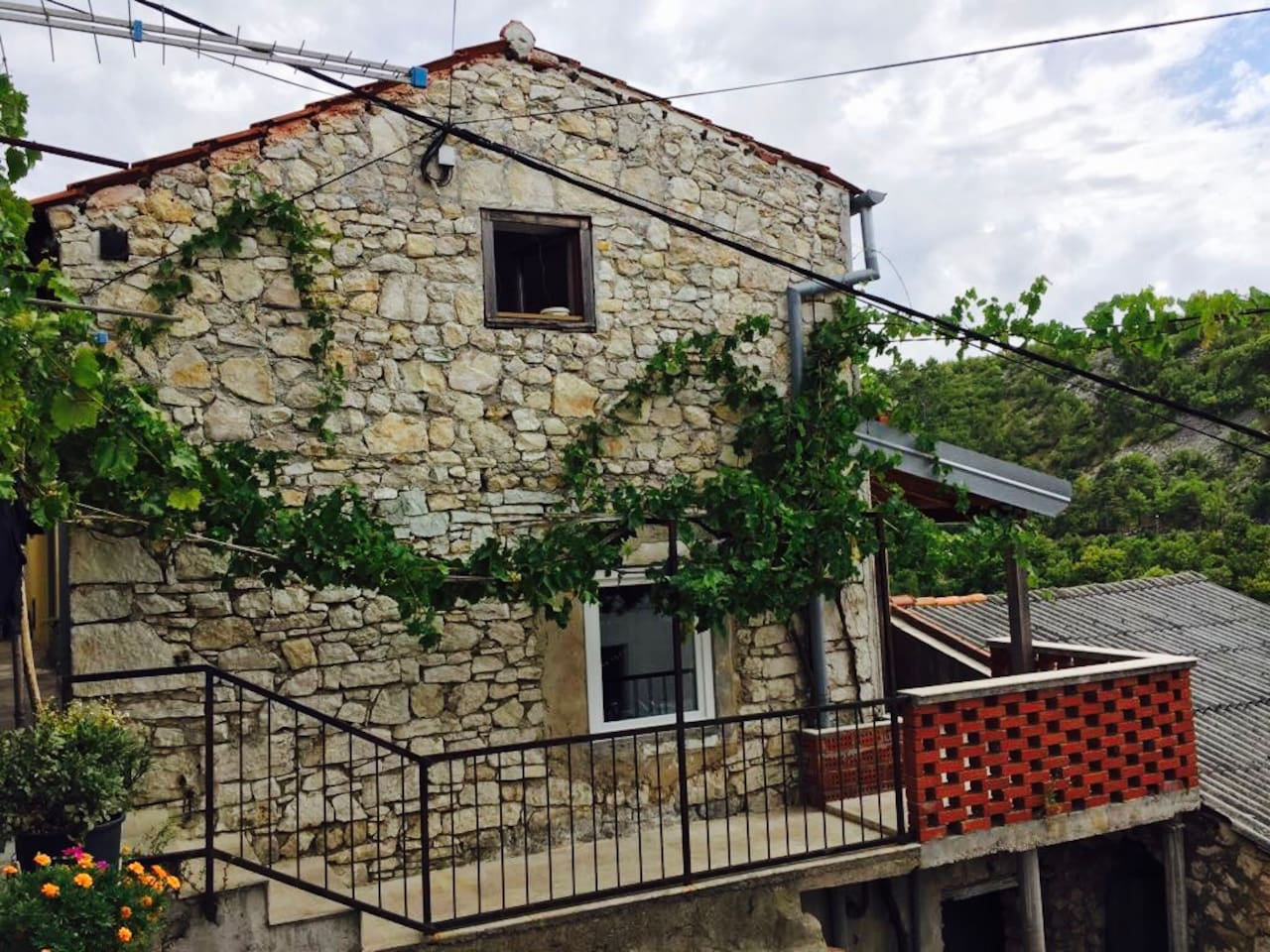 Over 200 years old stone house in picturesque fishermen's village Novigrad, located in the close vicinity of Zadar.