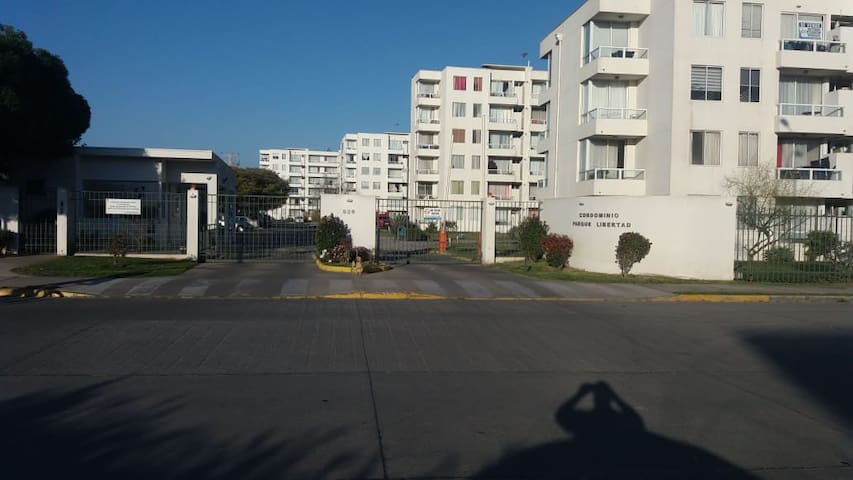 Depto La Serena condominio con lindas áreas verdes