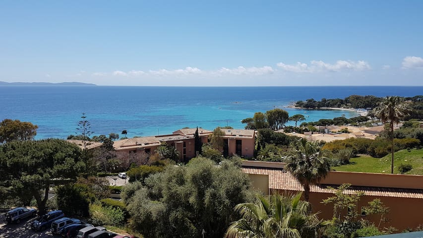 Ajaccio : Santa Lina, vue mer et terrasse couverte