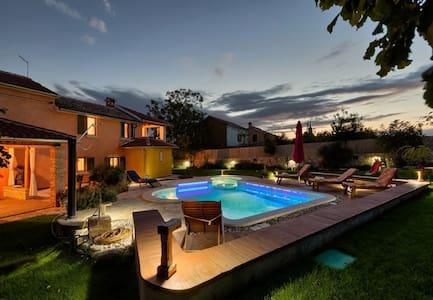 Villa Loreta with pool in the heart of Istria, quiet location, nature, tradition
