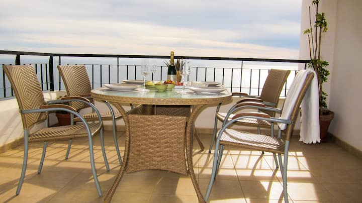 Spectacular sea view apartment close to Nerja