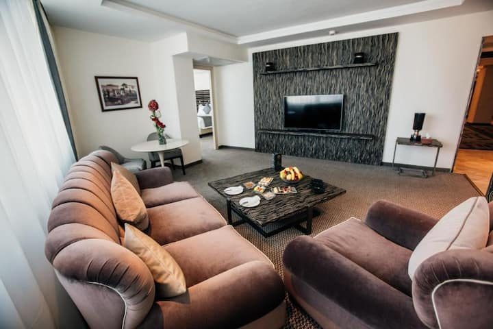 Home Suite Equipped With Kitchenette 5* Service