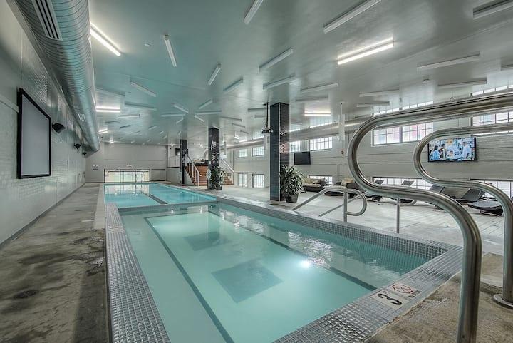 Blocks to Power & Light - Pool & Hot Tub