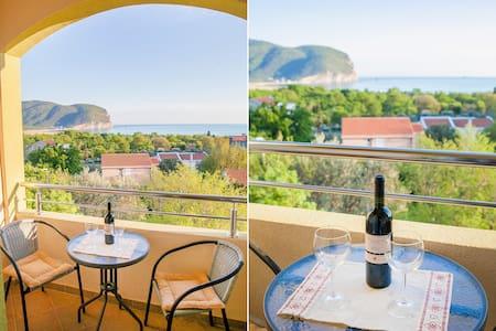 Nobel-Lovely Studio with Balcony and Sea View - Kaluđerac