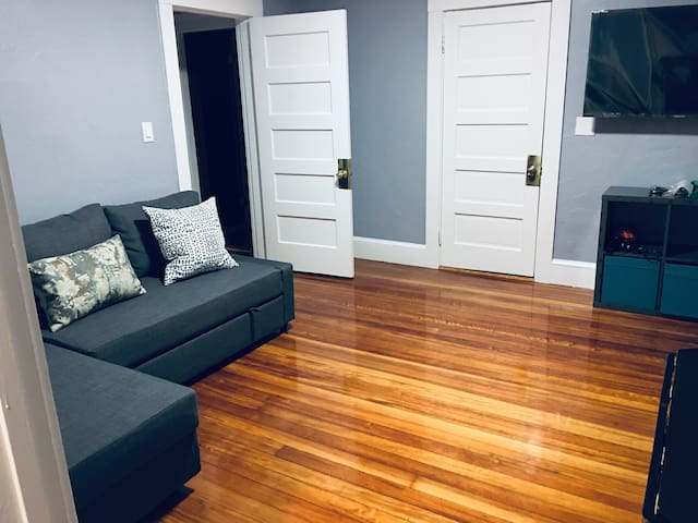 newton one bedroom unit with parking