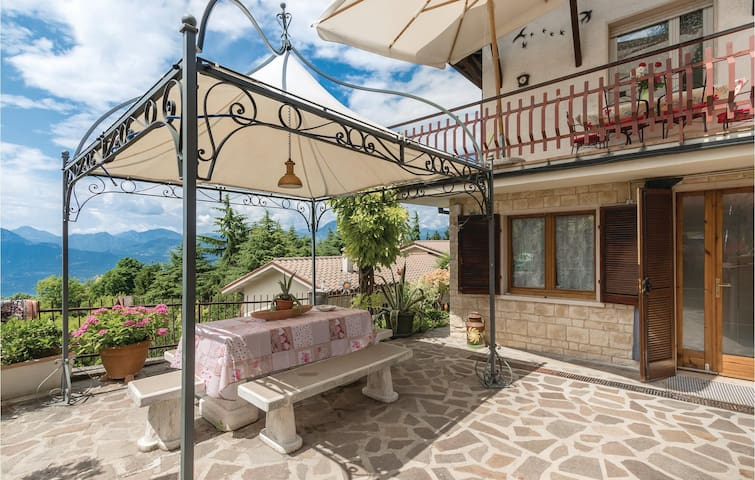 Holiday apartment with 3 bedrooms on 95m² in San Zeno di Montagna
