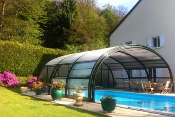 4/5-person cottage in the Ardennes, indoor heated swimming pool from April to October