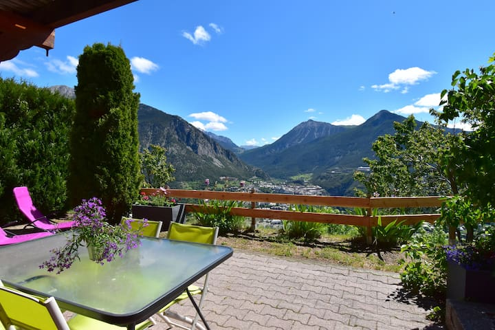 SERRE CHEVALIER - CHALET WITH AMAZING VIEW