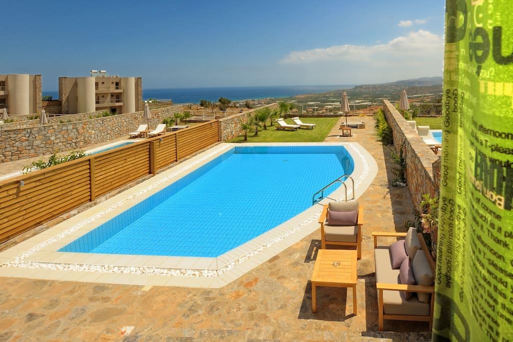 Ιδιωτική πισίνα και κήπος