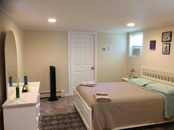 MODERN 1 BED MINS TO TIMES SQ & NYC