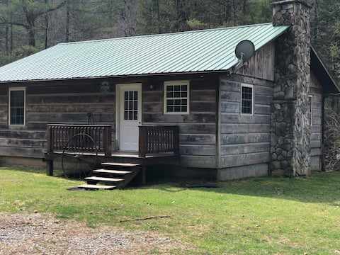 Grizz's Cabin in Almost Heaven, Hacker Valley, WV