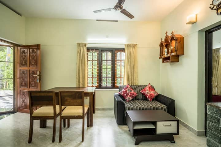 KOVALAM BEACH ROAD FABULOUS HOME