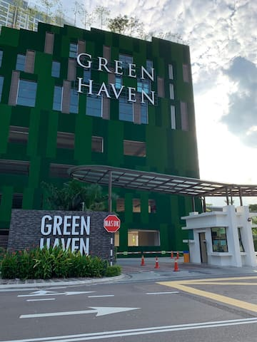 The Green Heaven Homestay at Permas Jaya