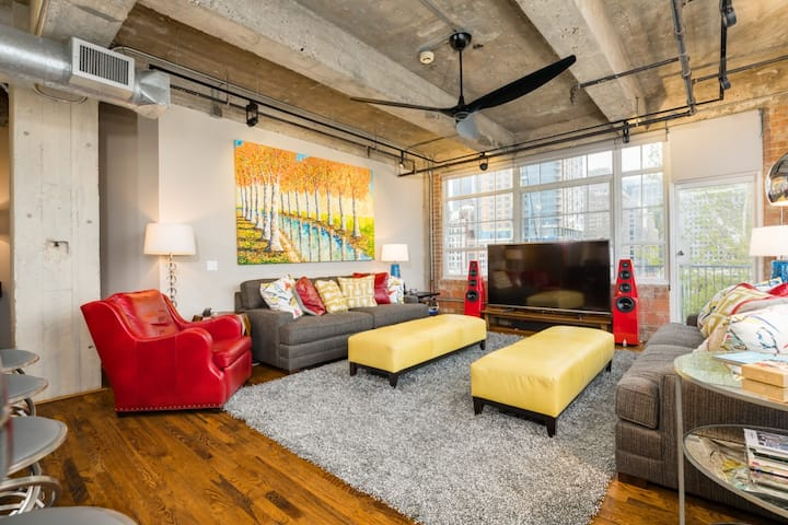 Luxury Loft - Downtown Houston - Monthly Only