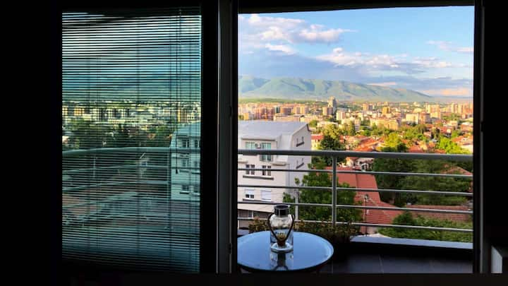 Modern View Apartment, Vodno/free parking & WiFi