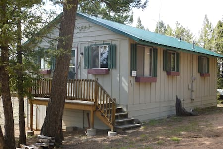 The Deer Cabin - Florissant - Talo