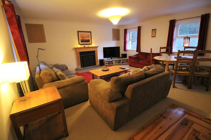 Ratagan Apartment - Ratagan, Glenshiel - Apartment