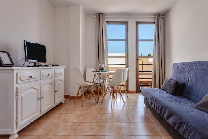 Apartamento Pizarro 2B in central location and not far from the beach, Wi-Fi included