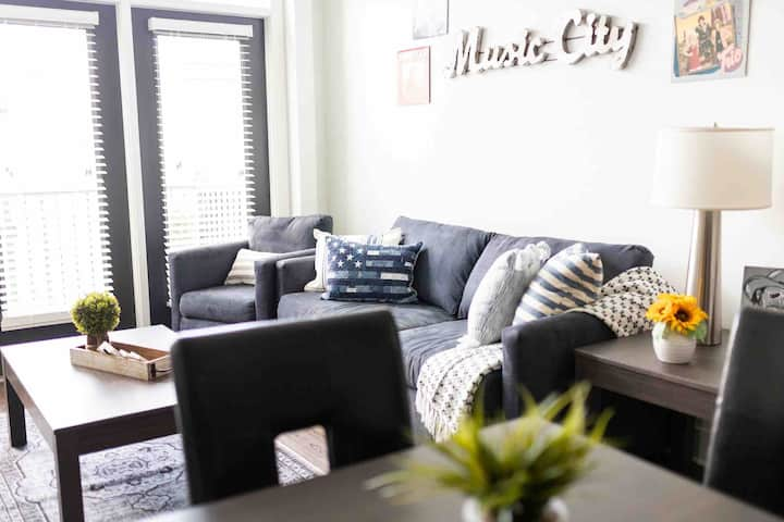 Music City Apartment in the Heart of Nashville!