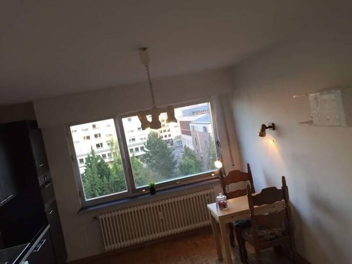 Studio between gare and city center