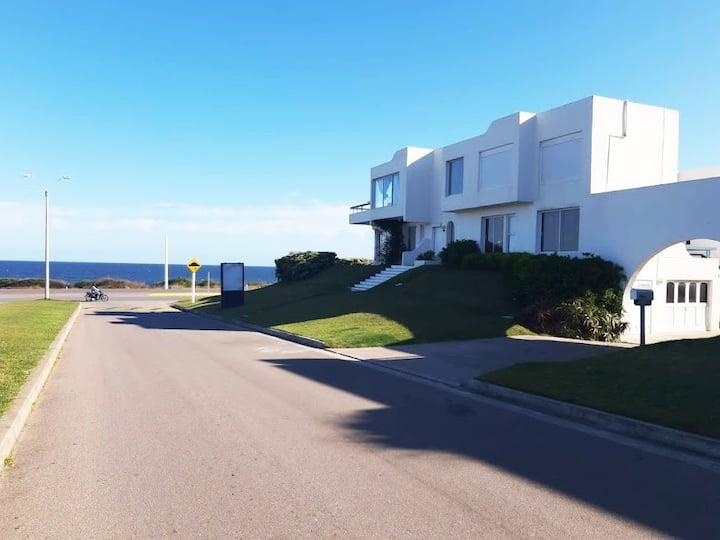 Apartamento en La Barra a pasos de la playa