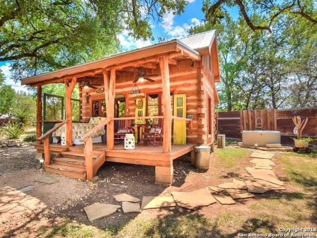 Enchanting Hill Country Cabin - Sleeps 2-4