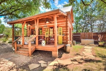 Enchanting Hill Country Cabin - Sleeps 2-5