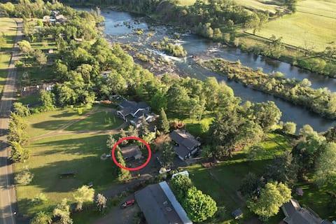 Private Guest House Along the North Umpqua River