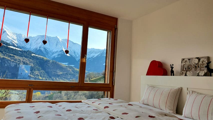 Amazing Mountain View B&B Room