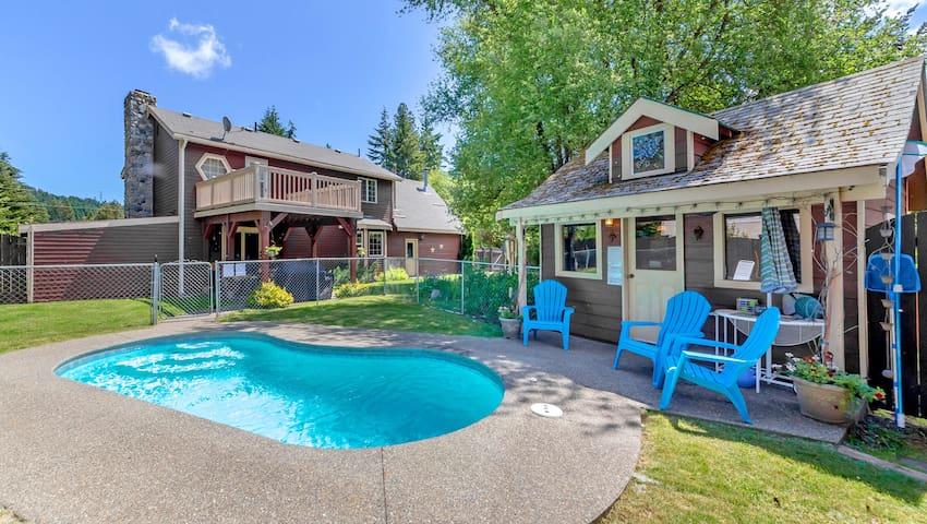 Elk Meadows Lodge-Private Pool! Elk Meadows Lodge! Great Value Year Round