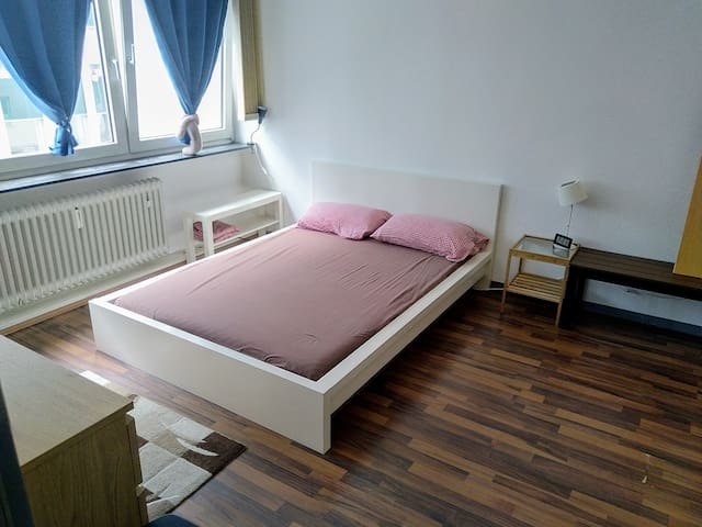 Bedroom 16sqm - HBF - main station area