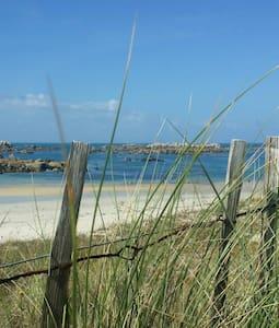 Logement T3 vue mer et dune, dans villa.