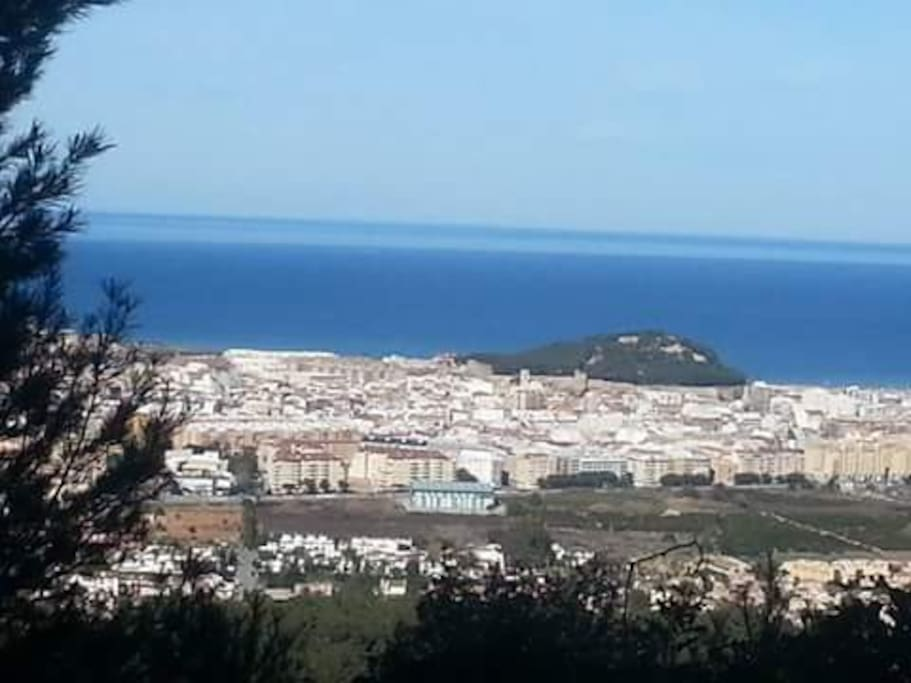 Generic view of Denia and the castle.