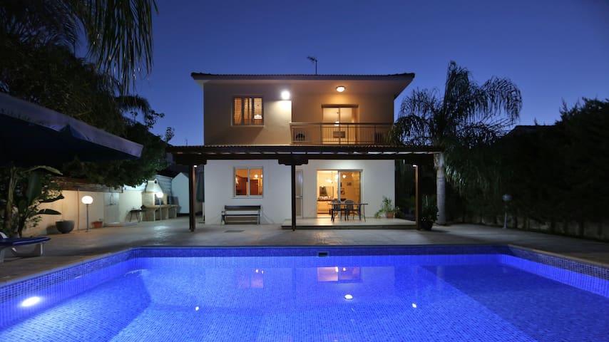 P.A. Villa Mazotos