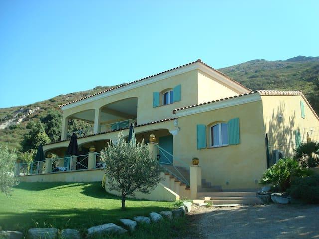 Location en Corse T2 avec piscine Casa Adelaide - Barbaggio